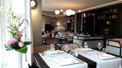 L'Ecusson Restaurant of Manoir Hotel
