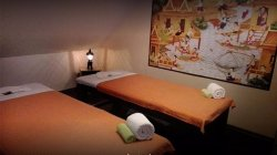 couple room for oil massage