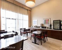 The Breakfast Room at the Ramada Chatsworth