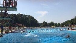 Het grootste buiten zwembad van Europa. En een gezins dagkaart kost €12. Aanrader!