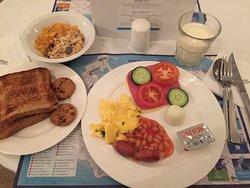 早餐,自助式