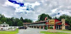 Shaheen's Adirondack Inn