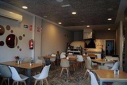 Cafeteria. Pizzeria. Restaurante Mario'S Guerra