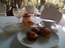 colazione in giardino, sfogliatelle il top