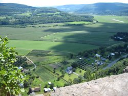 Vroman's Nose Hiking Trail