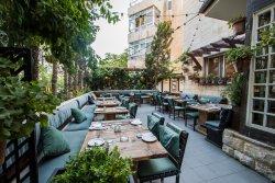 Bonita Inn, Restaurant & Tapas