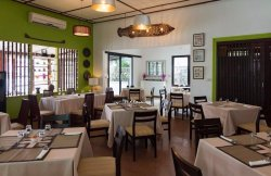 Patu Xay Cafe