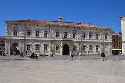 Sodna palača