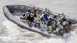 スピード ボート ツアー