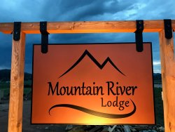 Mountain River Lodge