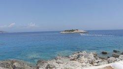 Mikro Nisi Beach
