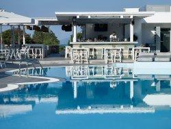 Pefki Islands Resort