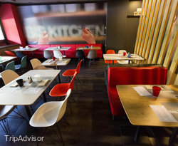 Restaurant and Breakfast Room at the Ibis Milano Ca Granda