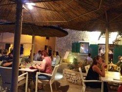 Sustina Cafe & Pizza