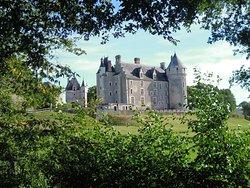 chateau Montpoupon