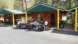 Janssen's Lodestone Motel & Cabins