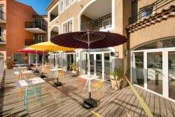 德邁葡萄園拉格朗日魅力公寓飯店