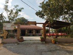 Taverna h Monaxia