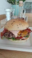 Cheeseburger mit Bacon