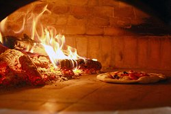 Maleena Wood Oven Pizza