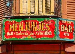Menjunjes Resto Bar