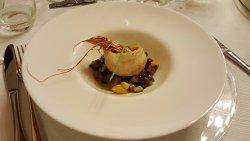Turbante di branzino con gamberone, caponatina di verdure e olive taggiasche