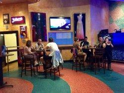 Endroit mythique au restaurant médiocre