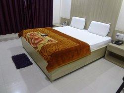 JK Rooms - Empress City Mall Road, Nagpur