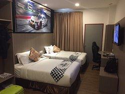 Hype Motorsports Hotel