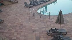 environnement de la piscine à rafraîchir