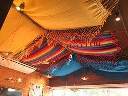 A decoração colorida