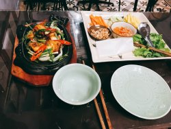 I have to recommend this restraunt. They are best foods in my life! I love vietnam and cai mam.