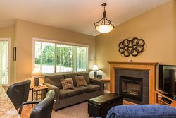 Ocean Trails - Living Room