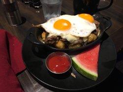 Decent breakfast / brunch, staff issues