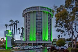 Holiday Inn Long Beach Airport Hotel and Conference Center