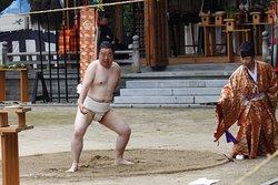 抜穂祭の一人角力