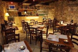 Uno sguardo all'interno della taverna