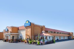 Days Inn & Suites Terre Haute