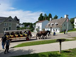 Mackinaw Trolley- Day Tours