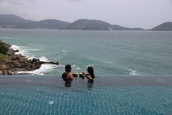 Our Relaxation zone!!Infinity Pool,top location overlooking the ocean, super friendly staff and facilities!