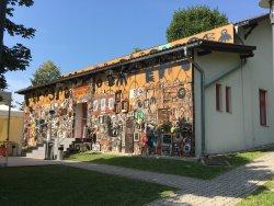 Pfarre Maria Gugging und Maria Lourdes Grotte im Wienerwald