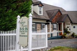 Lewis River Bed and Breakfast