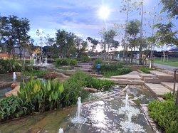 Chulalongkorn University Centenary Park