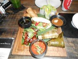 Entree tasting plate