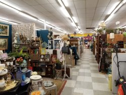 Alvin Antique Center & Marketplace