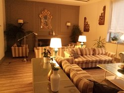 Uno de los salones del hotel. Realmente acogedor y cómodo.