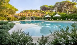 Roccamare Resort