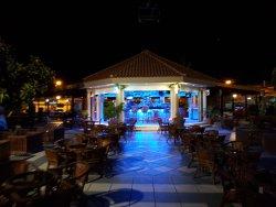 Oasis Cocktail Bar
