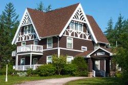 MacNeil House