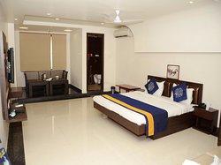 Hotel J S Continental